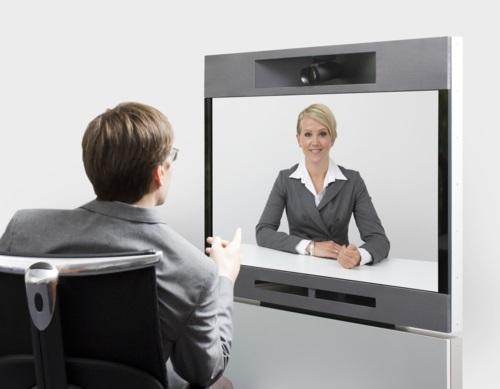 Phỏng vấn từ xa với thiết bị hội nghị trực tuyến